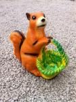 Veverička s košom